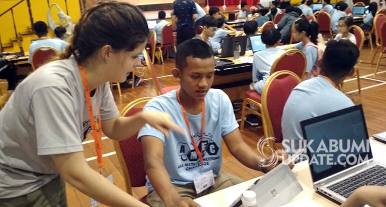 Keren, Pelajar SMA Doa Bangsa Belajar Bikin Robot di Negeri Singa